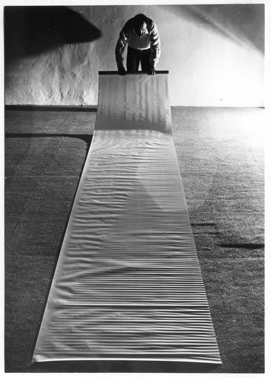 Grande rotolo incisioni piegature su carta trasparente 1979 [1024x768]
